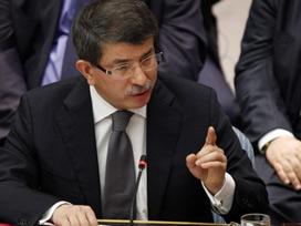 Ahmet Davutoğlu Sinirli