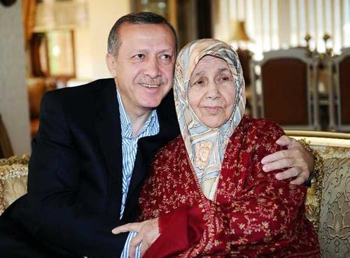 Başbakan Erdoğan Annesi